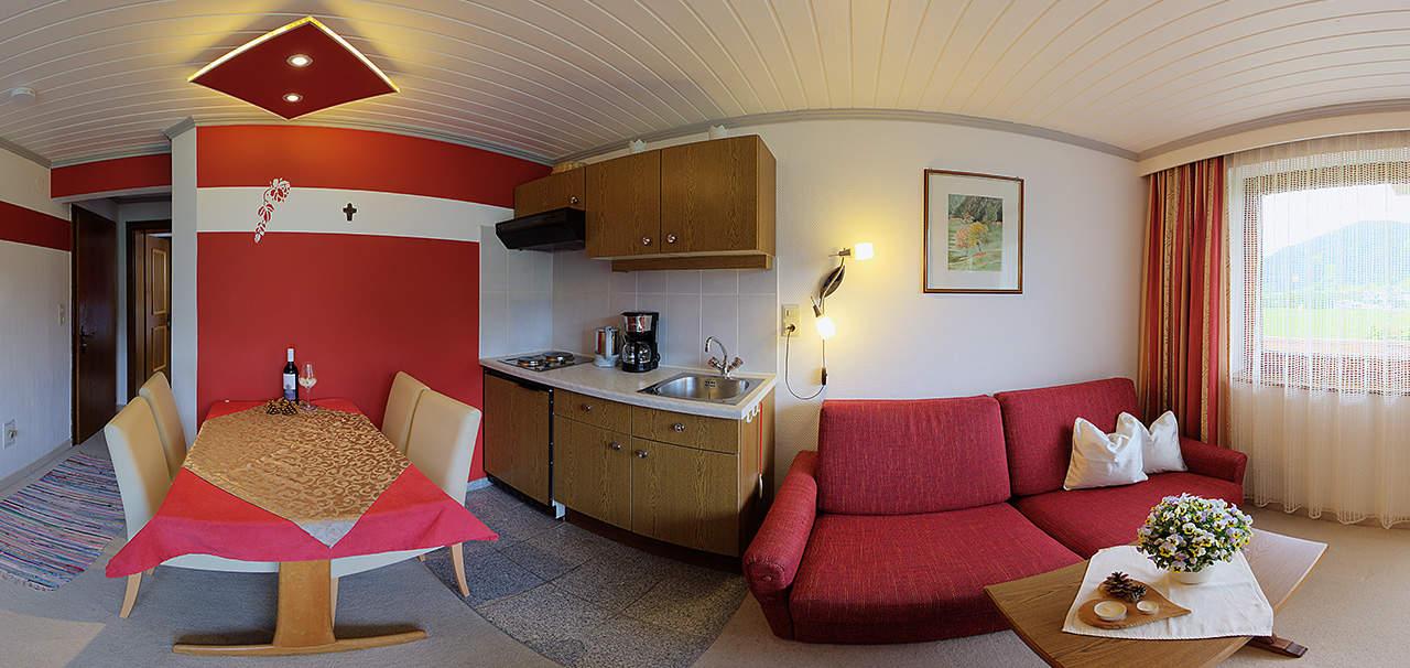 Hoanblick Wohnraum und Küche